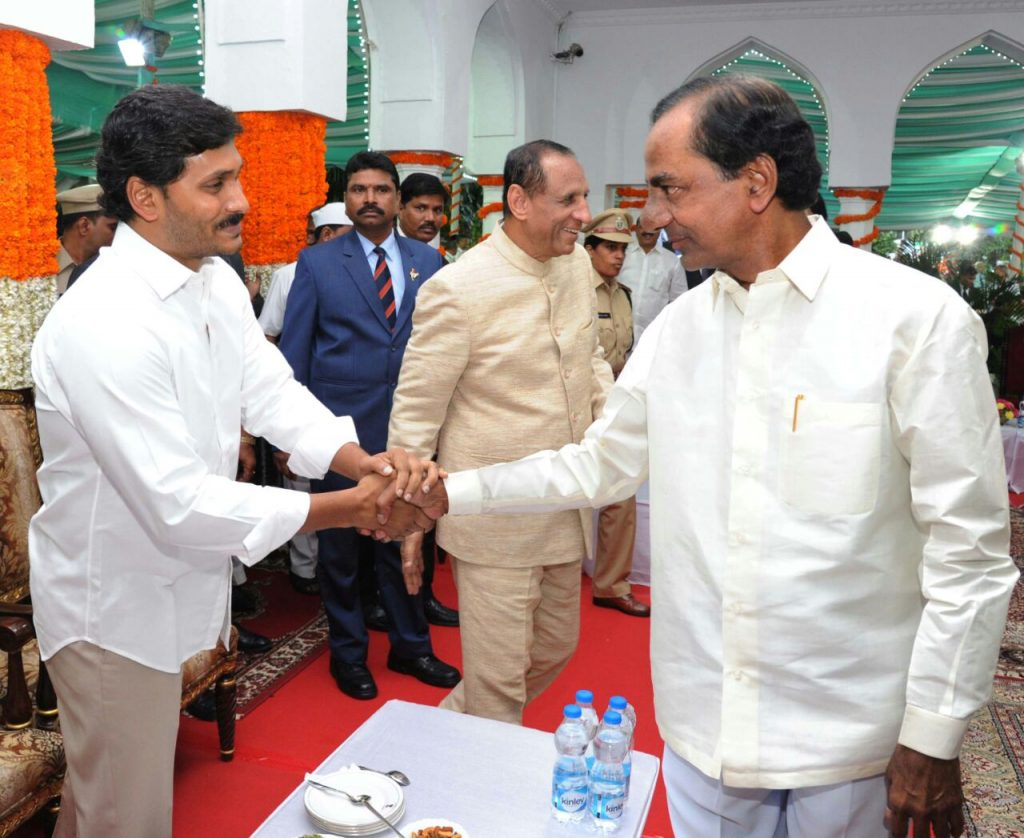 jagan between kcr chandrababu athome