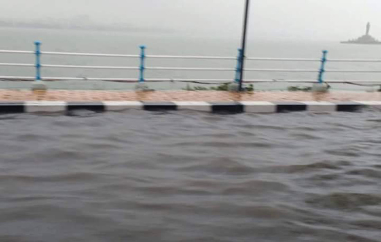 hussain sagar tank bund full fill water