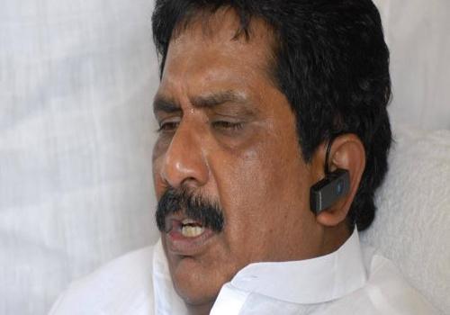sabbam hari said congress hand to kvp