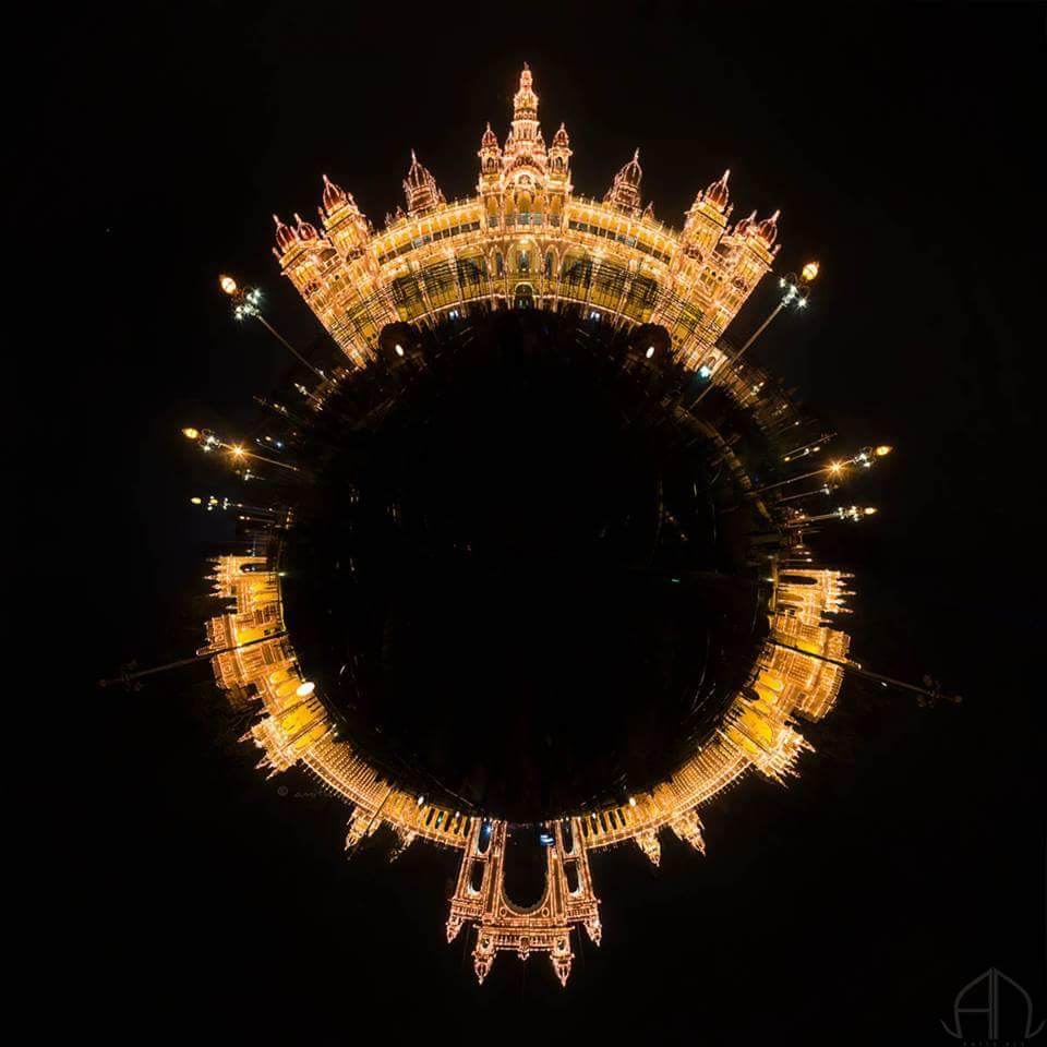 mysore palace looks like gold chain