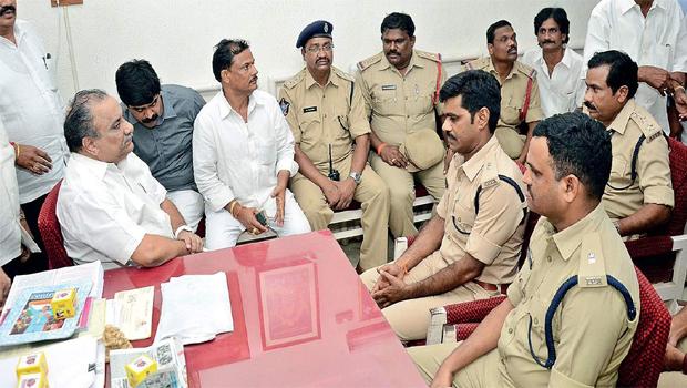 mudragada padmanabham said don't takes police permission for padayatra