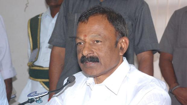 Raghuveera Reddy Condemns Venkaiah Naidu Comments on AP Special Status