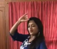 Jimiki Kammal Song dance performance by anchor Suma