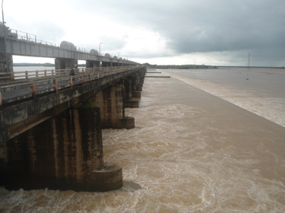 dowleswar cotton barrage 7 laks kyuseks water mixed sea