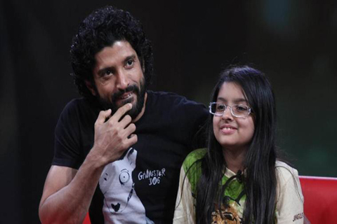 bollywood actor farhan akhtar wrote letter his daughter