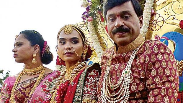 gali daughter brahmani wedding saree cost