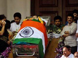 jayalalitha funeral today evening
