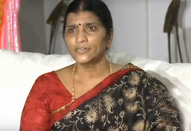 Lakshmi Parvathi Sensational Comments on Jagan