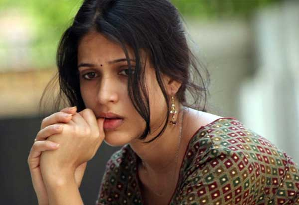 Lavanya Tripathi fined 3 Crores