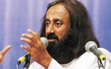 Ayodhya temple dispute can be resolved say's Sri Sri