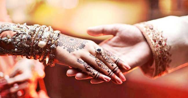muslim guy dating hindu girl Reply date mar 19, 2017 question hello i'm a hindu girl i've been in a  relationship with a muslim guy for the past few months we both love each other a  lot.