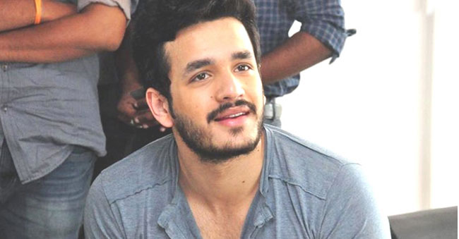 Akhil impressed by a girl With her Message