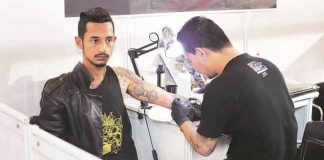 Tattoo artist charges Rs 1.9 Lakhs per session