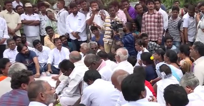 Pawan Kalyan Full Speech With Undavalli Farmers