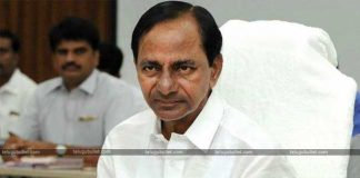 KCR pushes T-Congress to its extreme limits