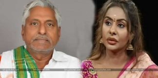 Sri Reddy Shifted Her Focus From Tollywood To T-Politics