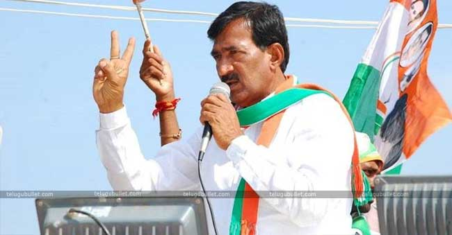 Vanteru Pratap's Serious Allegations On KCR