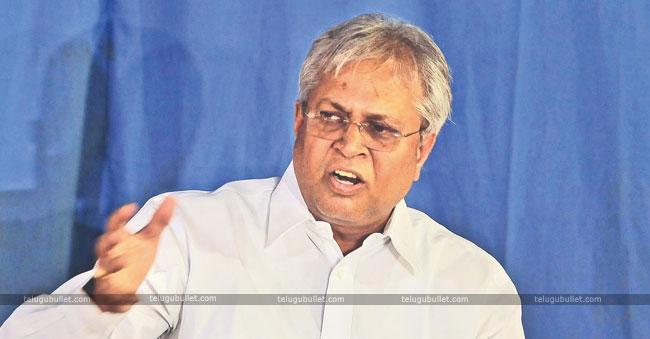 I Am Not A Bridge Between Pawan Kalyan And CBN: Undavalli