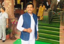 BJP MP & Bhojpuri star Ravi Kishan sang a song in Bhojpuri in Lok Sabha