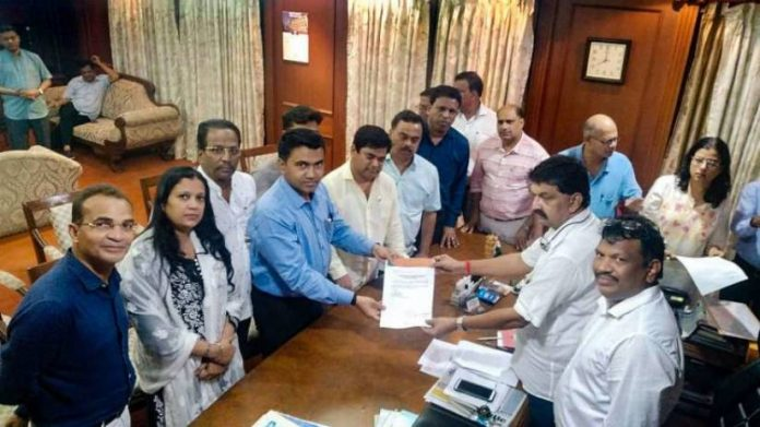 Congress splits in Goa: 10 out 15 MLAs to join BJP