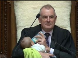 Newzealand: Speaker feeds the baby in parliament