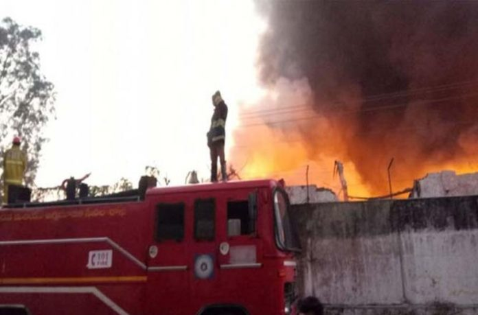 Fire explodes at a chemical factory in Patancheru