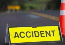 18 labourers hurt after auto overturns in Hyderabad