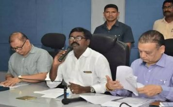 TRS never promised to merge RTC with government: Ajay Kumar
