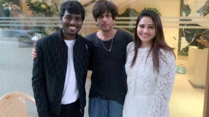 Shah Rukh Khan chills with Directors Vetri Maaran and Atlee