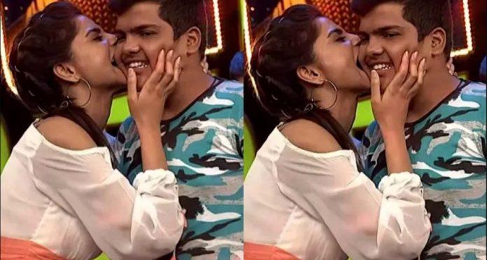 TV Anchor Varshini Sounderajan plants kiss to Audience