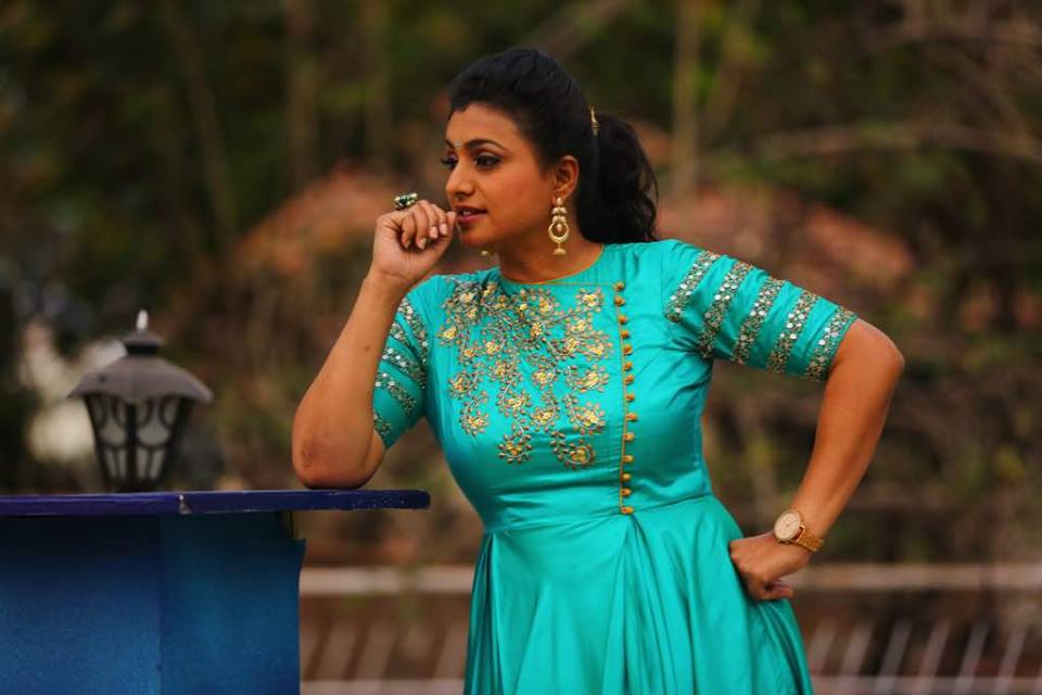 "actress Roja gives a ""sweet warning"" to Jabardasth contestant!"