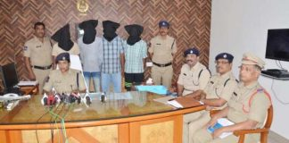 Four-member gang held for smuggling ganja in Mahbubnagar