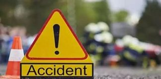 20 hurt as State Transport bus overturns on Mumbai-Goa Highway
