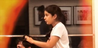 Sitara was giving a head massage to Mahesh Babu