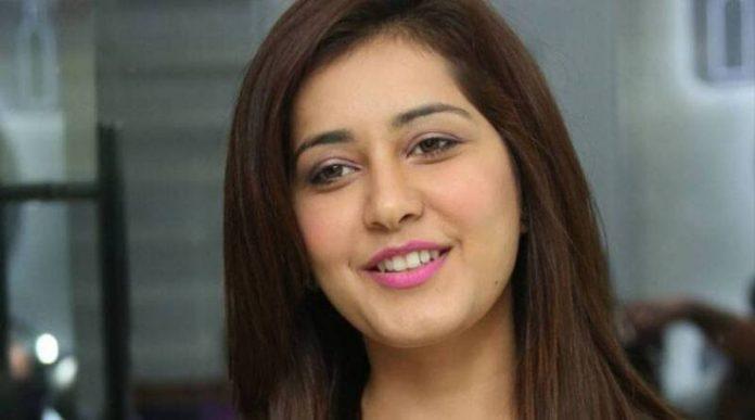 Raashi Khanna is all set to work with Vikram